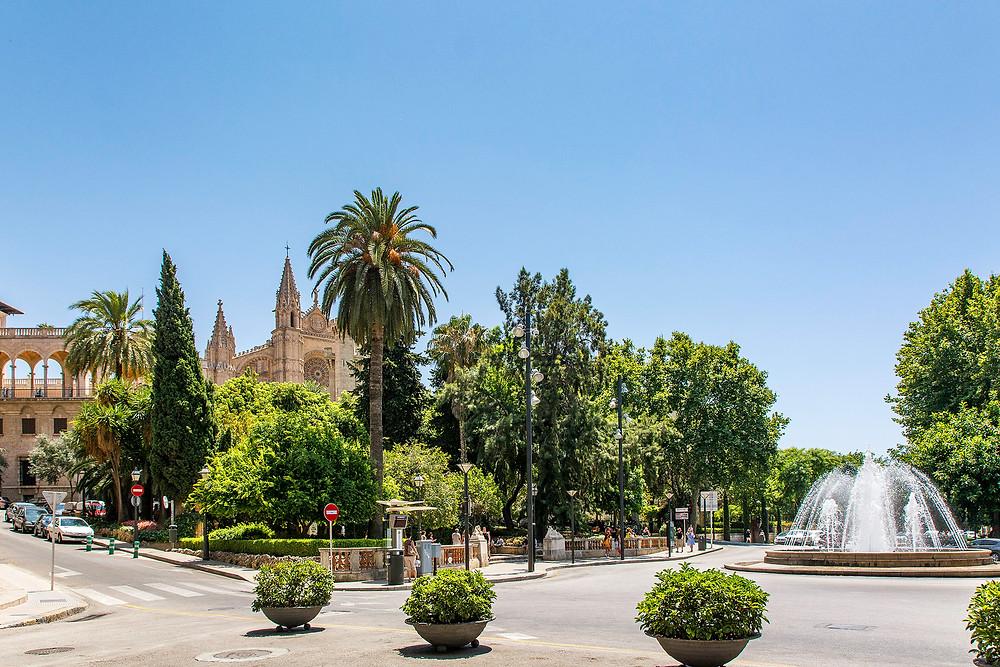 Palma de Mallorca mit Blick auf Kathedrale