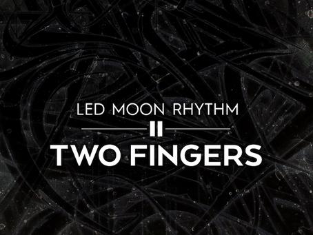 Two Fingers LED Moon Rhythm