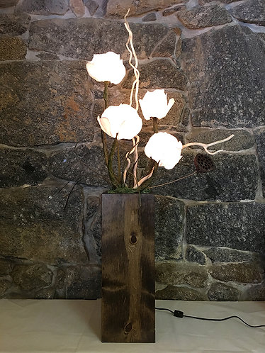 Four Flower Table Lamp