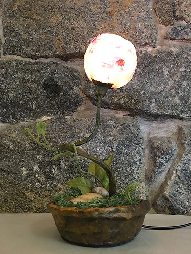 Flower Pattern Table Lamp