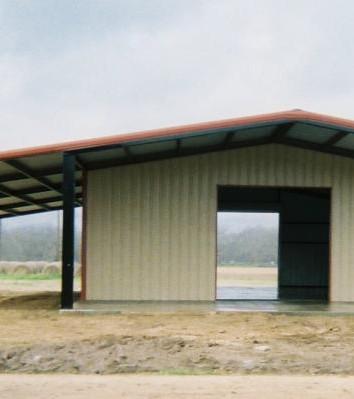 Metal Building with Overhang