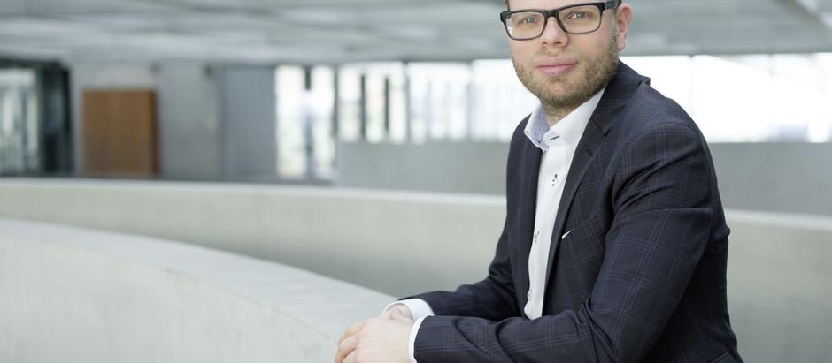 Helge Lindh unterstützt Toleranz-Tunnel