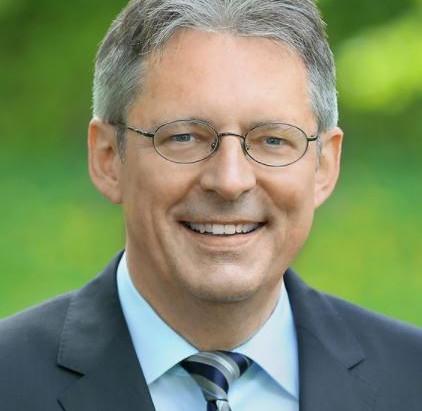 Achim Post, Mitglied des Bundestages, unterstützt Toleranz-Tunnel