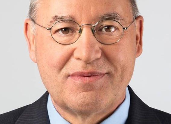 Gregor Gysi unterstützt Toleranz-Tunnel
