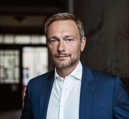 Christian Lindner unterstützt Toleranz-Tunnel