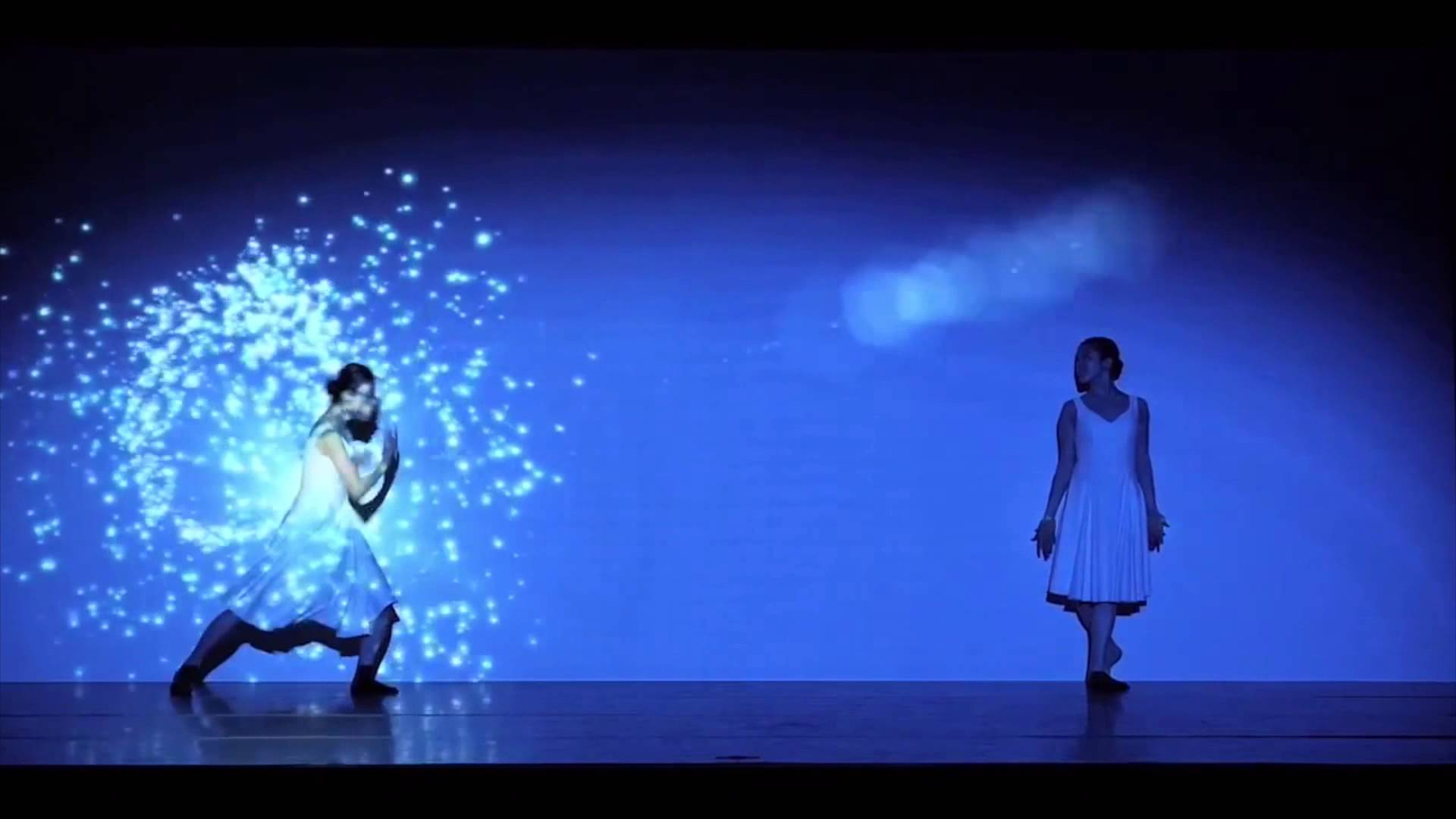 Interactive Dancers with Particles