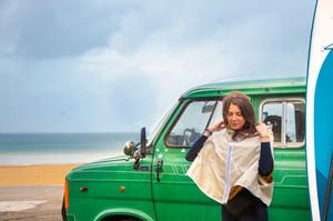 Claire Dartigues x Vent de Voyage x Tom Nelson - Version Cape et Capuche