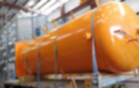Vaso de pressão amarelo utilizado para armazenameto de gases como amonia | Metal Cruzado