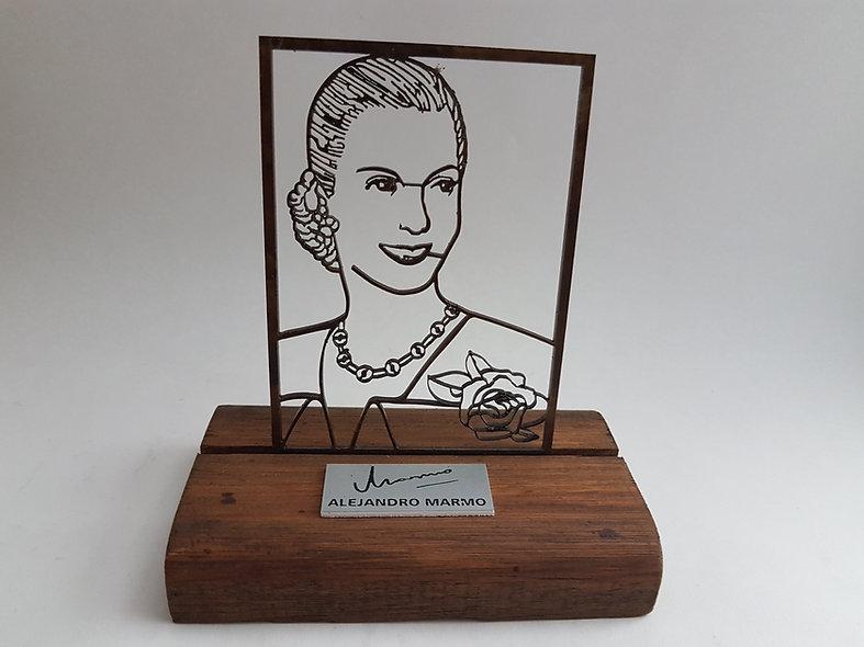 Escultura Evita Grande