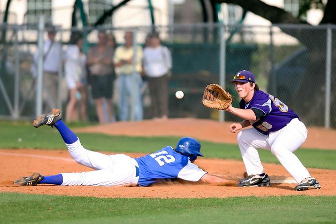 Pain on the Diamond – Common Baseball/Softball Hand Injuries
