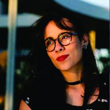 Flávia Neves