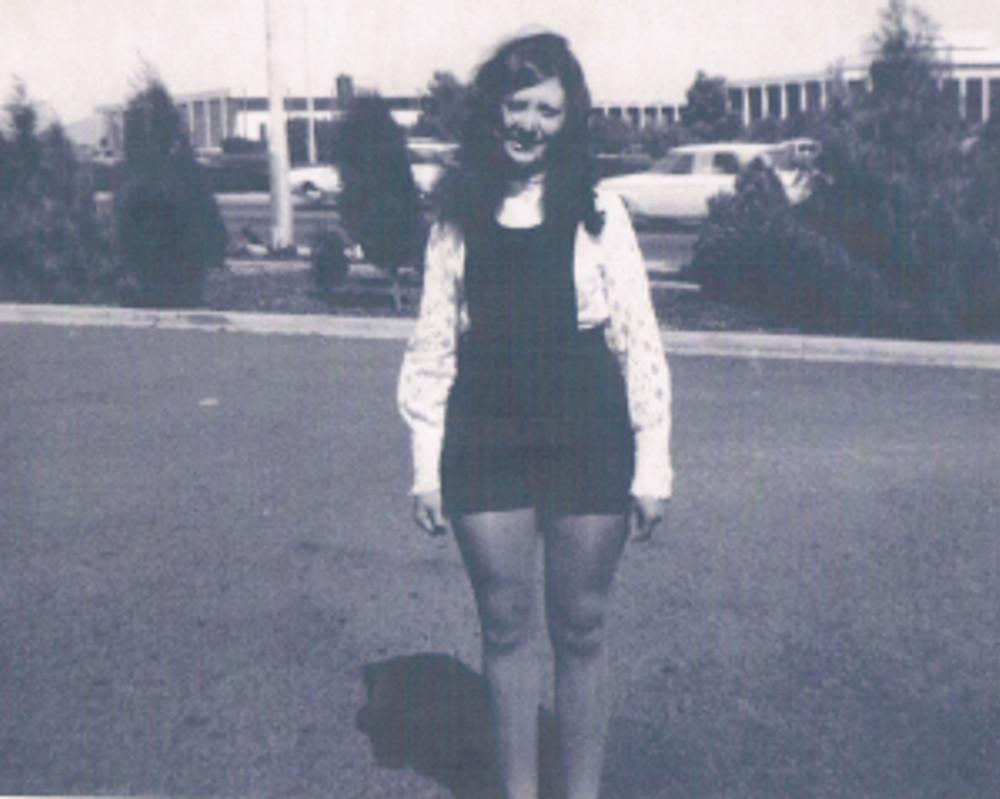1971 Hot-Pants Teenager