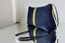 """sac bandoulière """"kumi"""" Zen' bleu surpiqué jaune"""