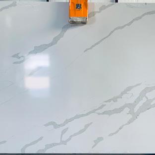 S6Y9009 Calacatta White