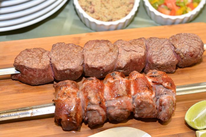 Filet mignon & filet mignon wrapped w/bacon