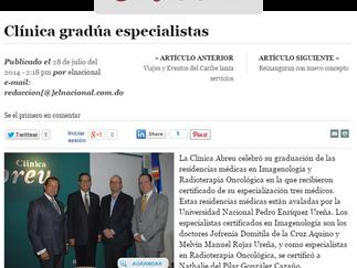 Diario El Nacional: Clínica gradúa especialistas
