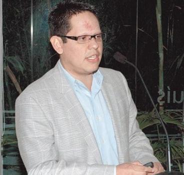 Dr Luis Moreno.png