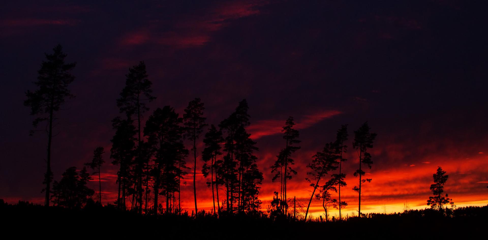 Płonący zachód słońca