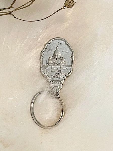 Porte clefs métal argenté SACRÉ COEUR PARIS