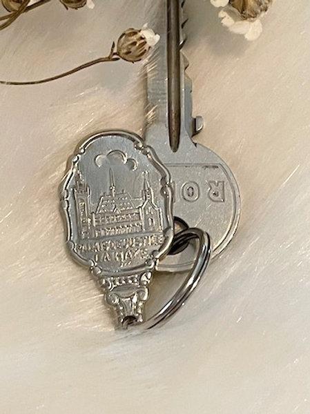 Porte clefs métal argenté PALAIS DE JUSTICE LA HAYE