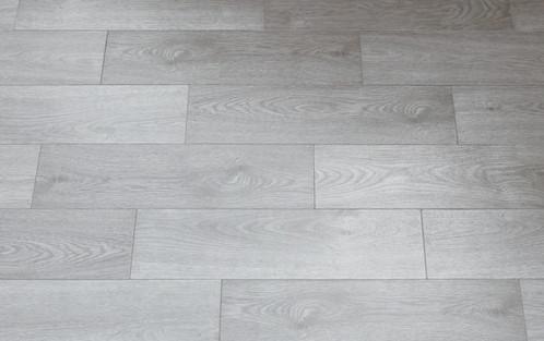 Ash grigio gres porcellanato effetto legno