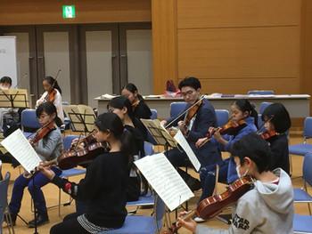 オックスフォード大学オーケストラからの楽器応援寄付