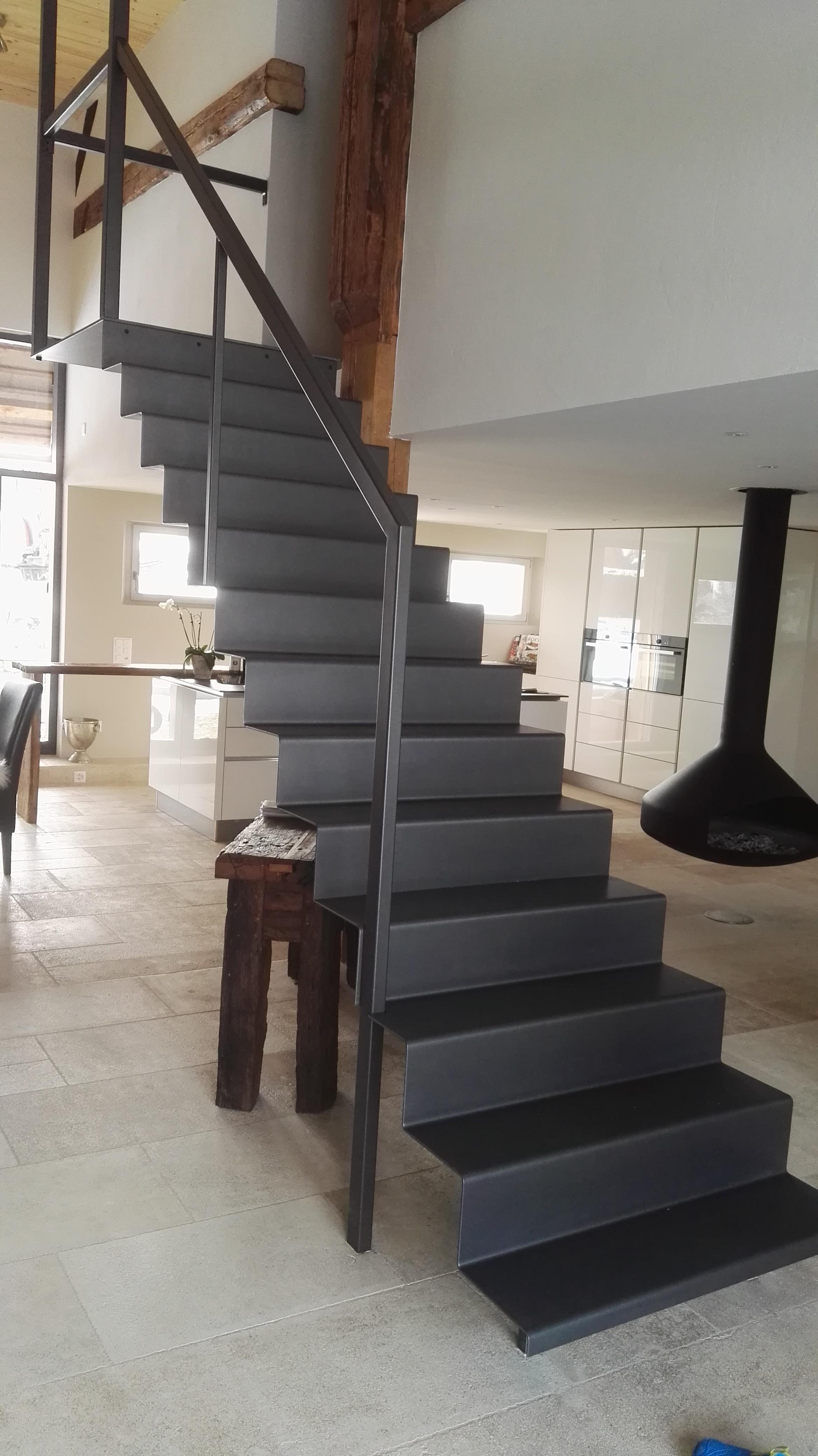 Treppe aus Stahlblech