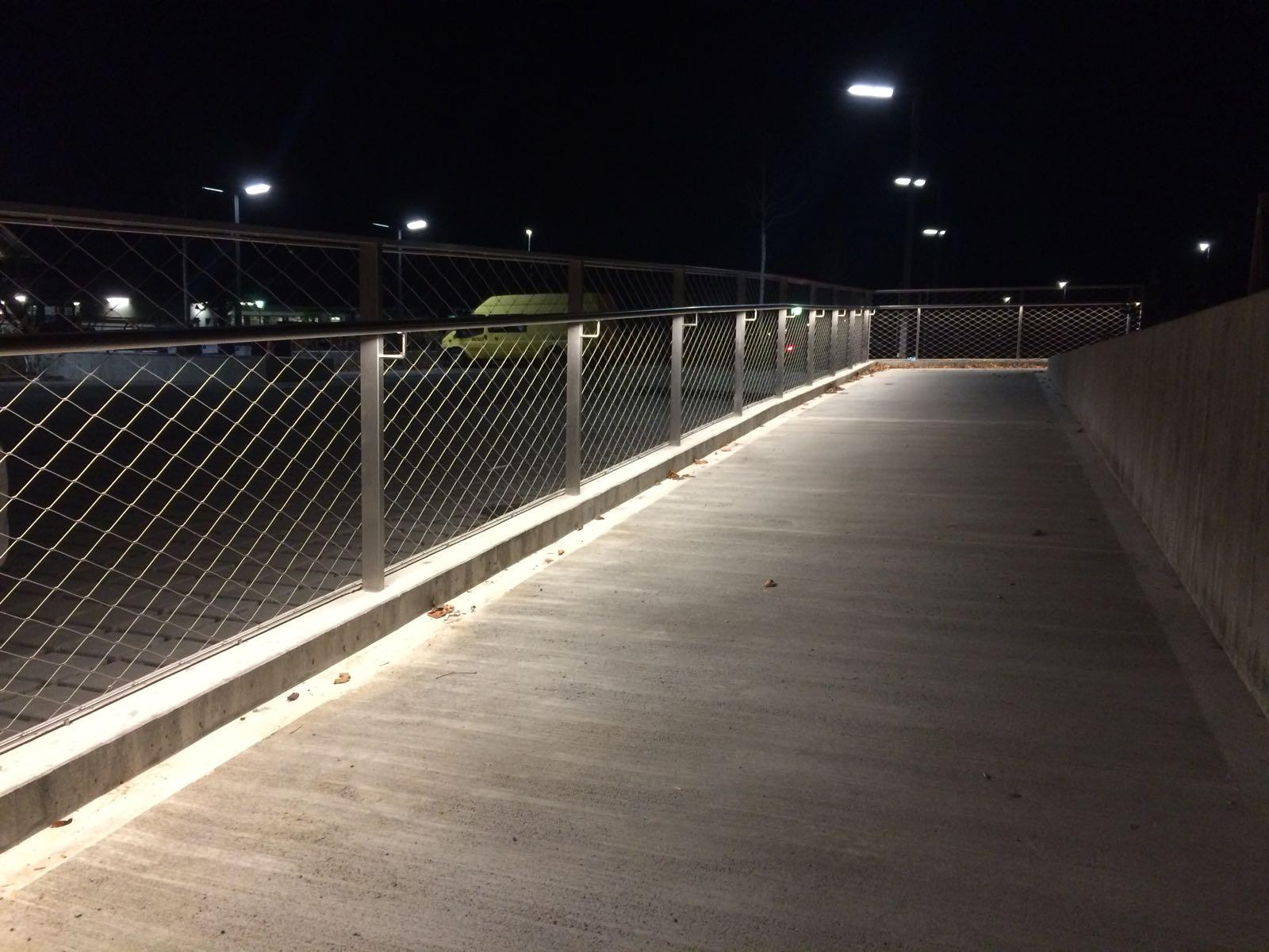 CNS-Handlauf mit LED