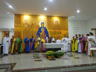 Nova paróquia celebra Semana Santa