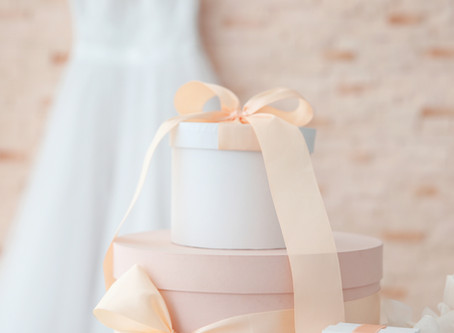 20 Wedding gift ideas for the Happy Couple!