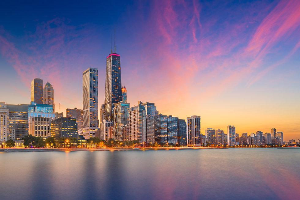 chicago-illinois-usa-lake-skyline-KZEBX5