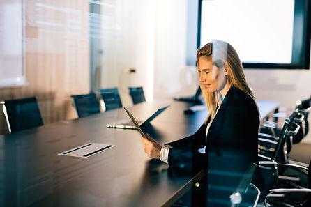attractive-businesswoman-using-digital-t