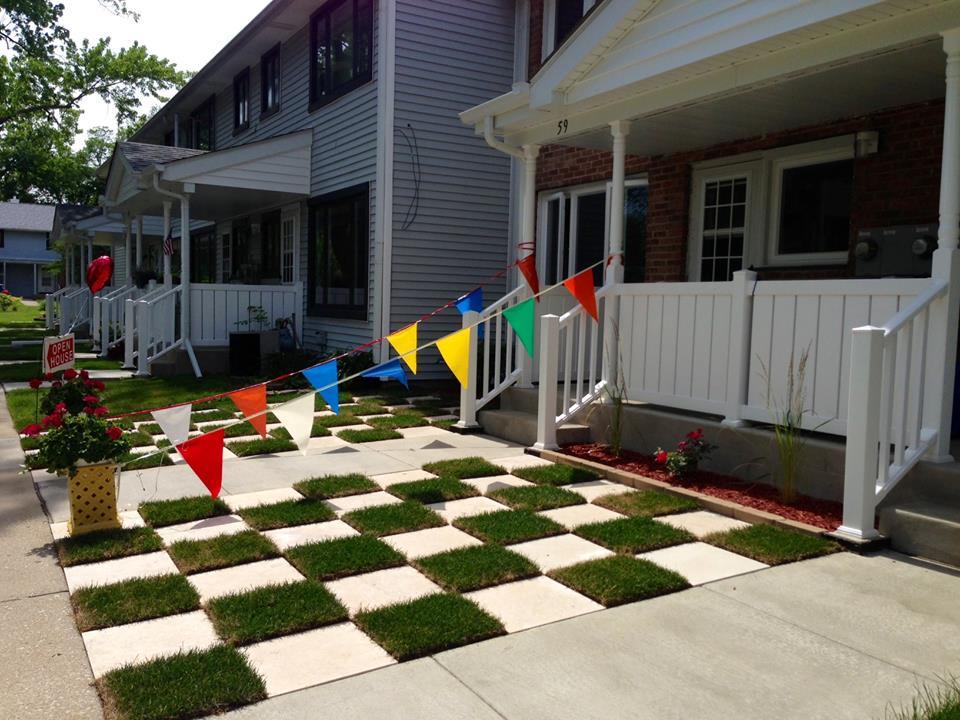 checkerboard lawn pattern at Cedarwood co-op