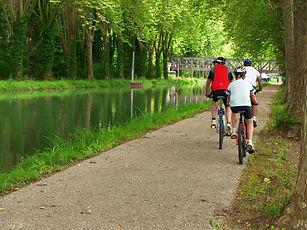 Vélo sur le bord ducanal
