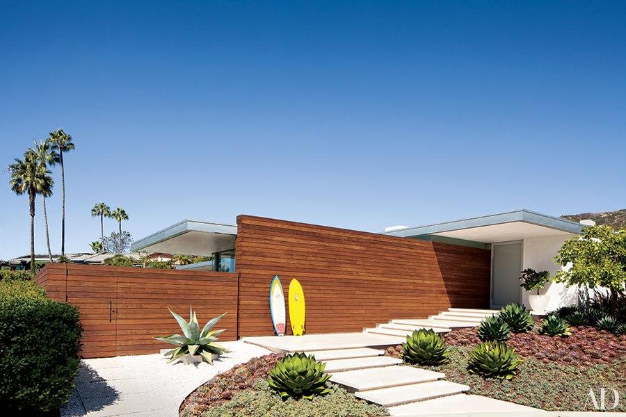 item11.rendition.slideshowHorizontal.california-living-indoor-outdoor-design-12.