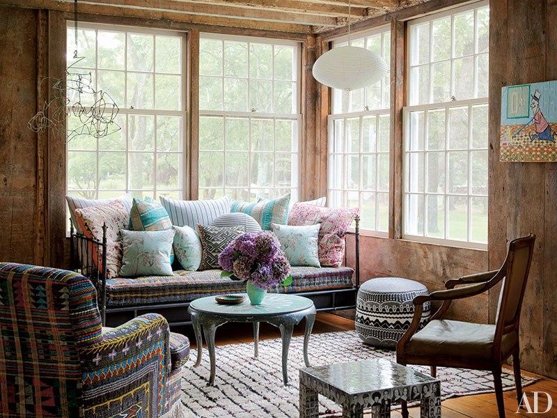 item3.rendition.slideshowVertical.moroccan-rugs-decorating-04-cindy-sherman-hamp