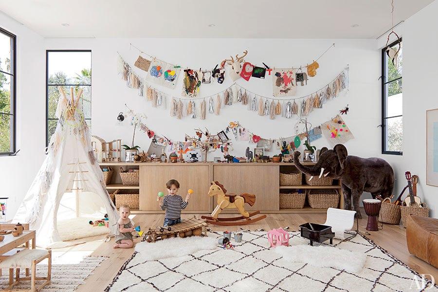 item4-1.rendition.slideshowHorizontal.moroccan-rugs-decorating-05-jenni-kayne-lo