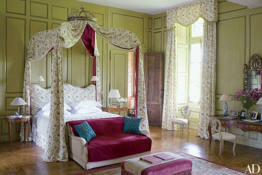 item8.rendition.slideshowHorizontal.pretty-bedrooms-florals-inspiration-09.jpg