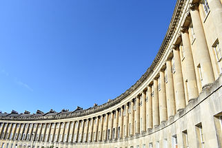 royal-crescent-3571875_1920.jpg