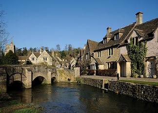 Castle_combe_river.jpg