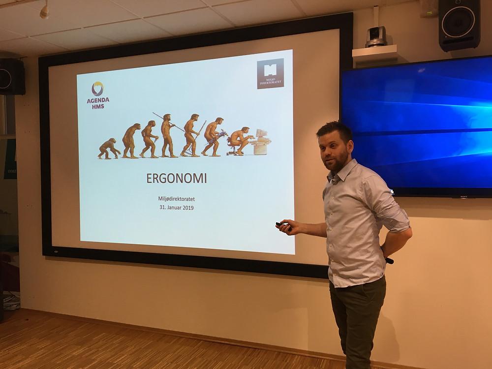 Fysioterapeut Anders Megård fra Agenda HMS gir gode tips om hvordan man skal forebygge muskel- og skjelettplager