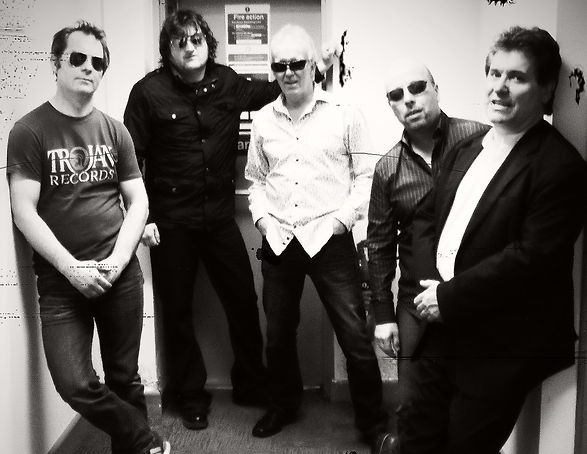 XL5 Hereford Best party band