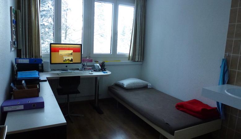 Büro mit Einzelbett