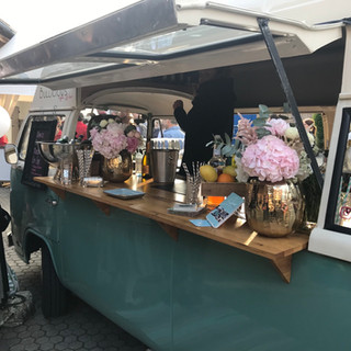 Hochzeit mobile Bar Vintage Wedding.jpeg