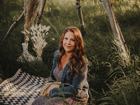 Jenna Moynes - Outdoor phtographer - rustic photograher - boho photographer - vintage photographer - wedding photographer - engaement photographer - sage and synchronicity - legal, alberta - alberta outdoor photographer
