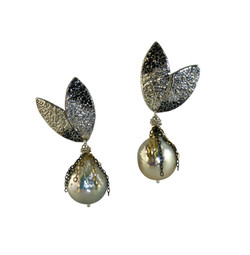 Evergreen Pearl Earrings