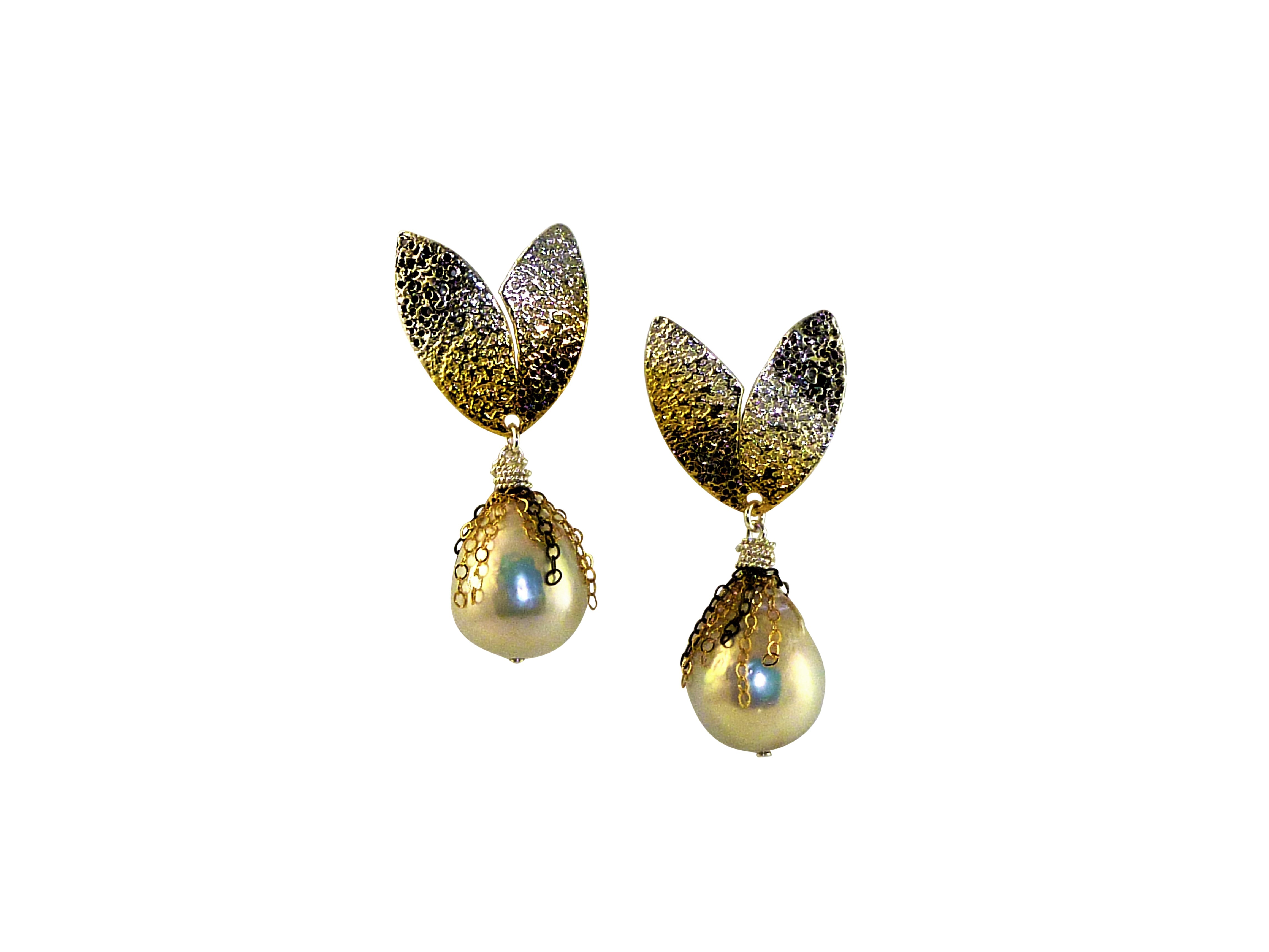 Evergreen Pearl Earrings