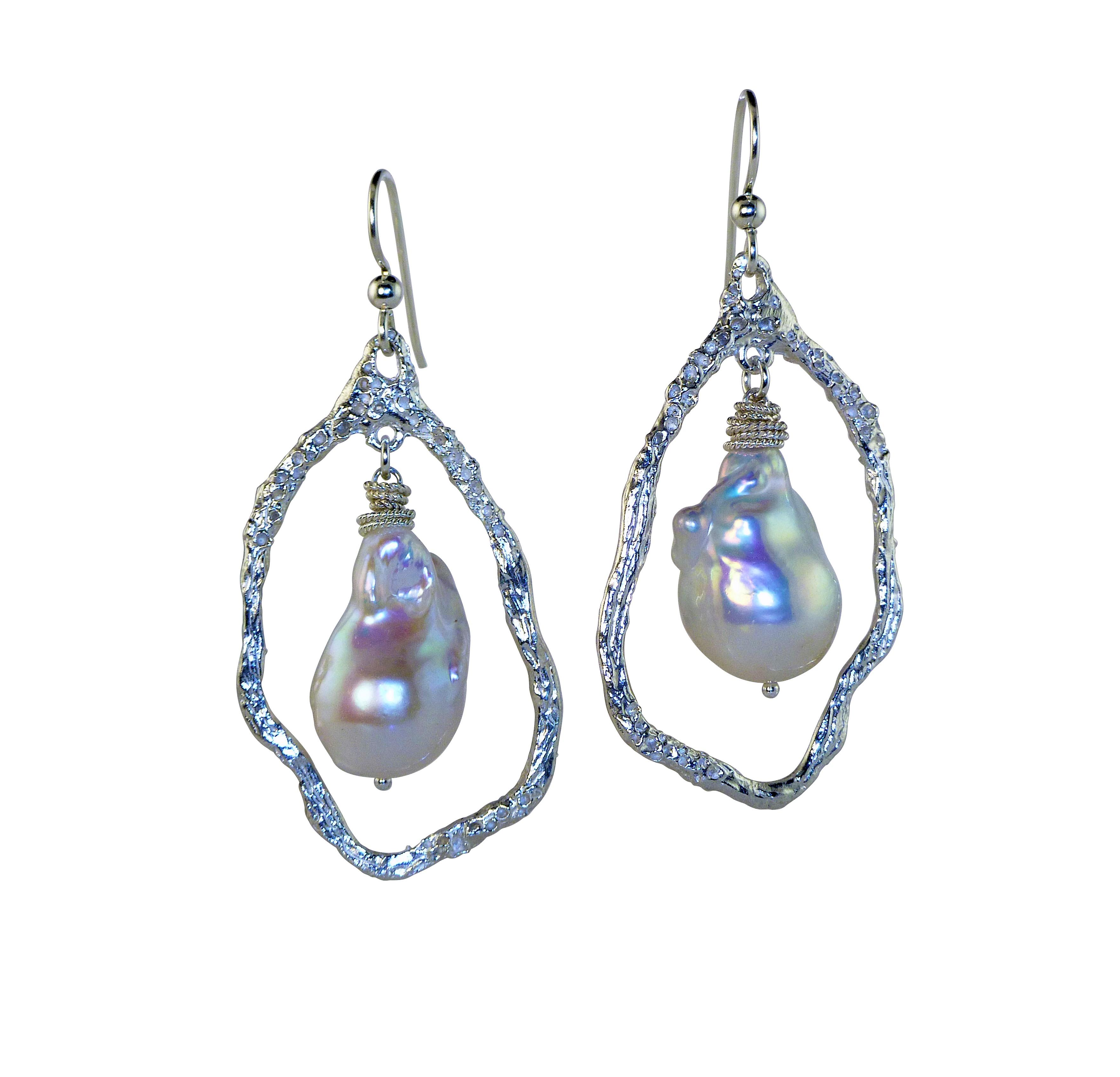 Creeping Vine Pearl Earrings