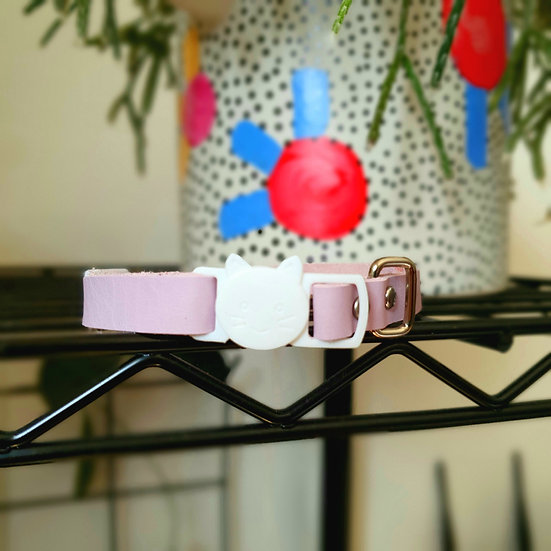 'Puss in Boots' Cat Collar - Lilac