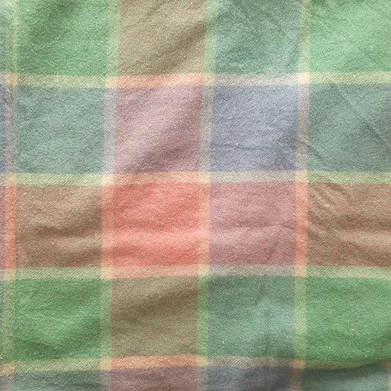Blanket 17 - Large [ 1.0 x 1.6m ]